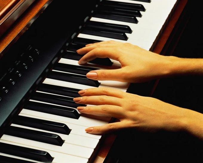 Какое цифровое пианино лучше выбрать для дома