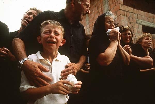 Ребенок на похоронах
