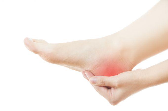 Боль в пятке: лечение и причины