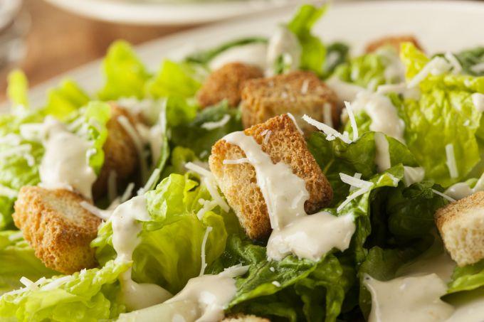 Как приготовить заправку для салата Цезарь