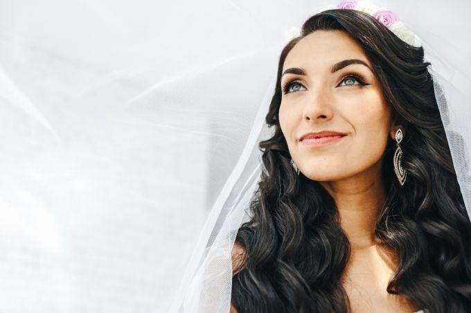 Как сделать свадебный макияж: стильные советы для брюнеток