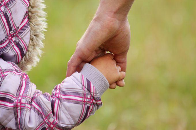 Оформление патроната над ребенком из детдома по выходным — все об опекунстве над ребенком