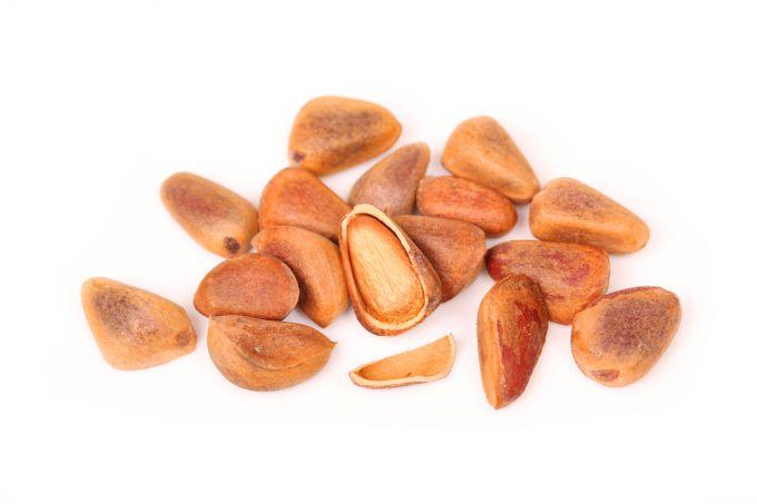 Очистка кедровых орешков: как правильно снять скорлупу