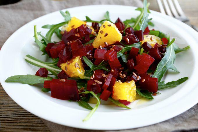 Рецепты простых и полезных блюд: салат из свеклы