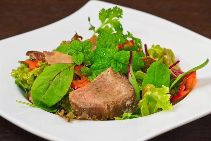 Учимся готовить деликатесы: варка говяжьего языка