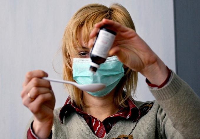 Что правильно делать при первых симптомах гриппа и ОРВИ?