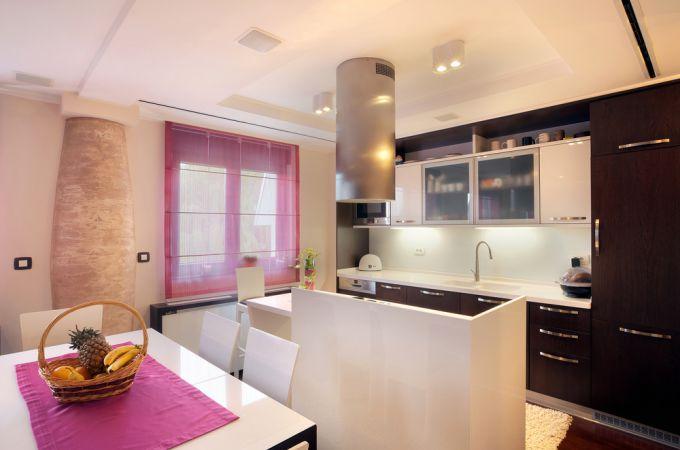 Дизайнерское оформление окон на кухне. Оригинальные идеи