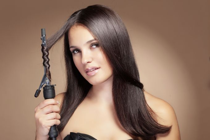 How to wind hair on a curling rod