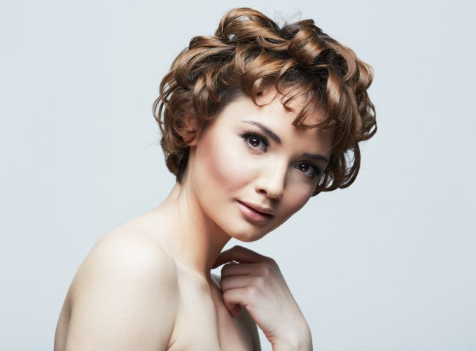 How to make beautiful curls on short hair at home