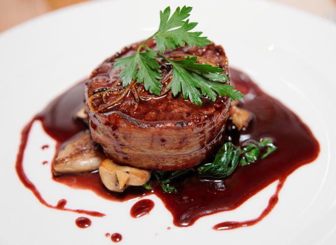 Кисло-сладкий соус - идеальное дополнение к говядине