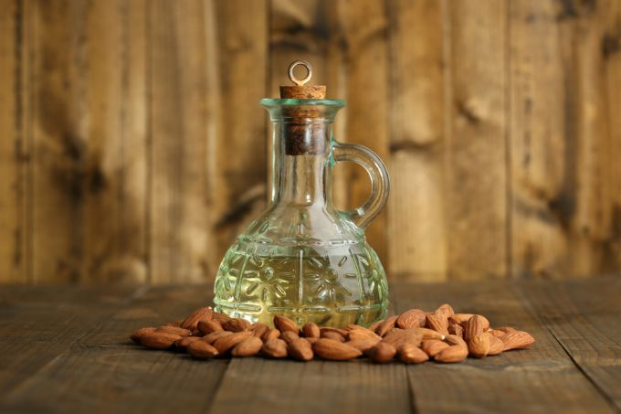 Cosmeticians about using almond oil to strengthen hair and nails