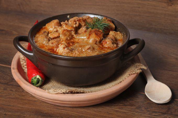 Паприкаш - классическое блюдо венгерской кухни