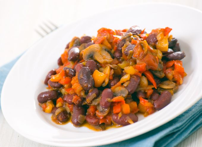 Рецепт салата из грибов и консервированной фасоли