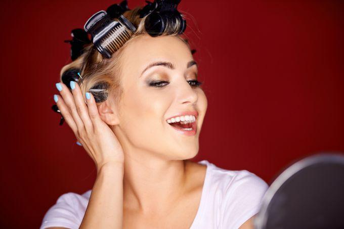 Завиваем волосы средней длины: различные способы