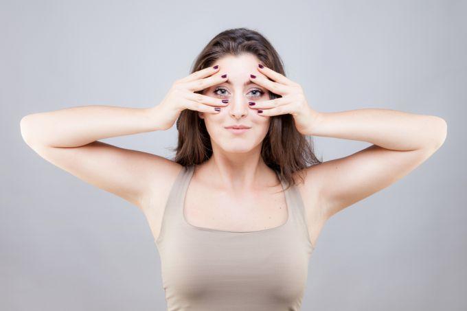 Как бороться с морщинами на лице при помощи йоги