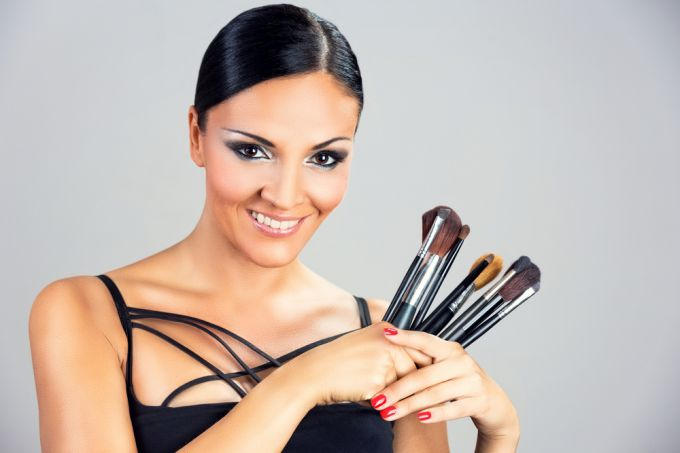 How to choose makeup brushes? Advice of specialists