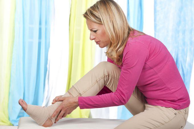 Как лечить растяжение связок стопы, голеностопа