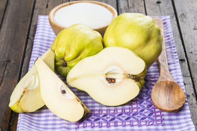 Кладовая витаминов родом из Японии. Айва - польза и питательность