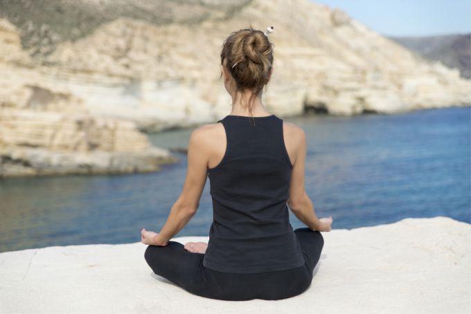 Комплекс упражнений для начинающих заниматься раджа йогой