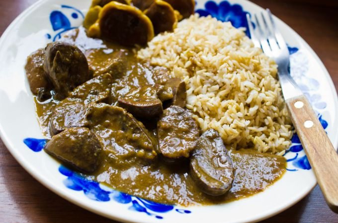 Кулинарный рецепт тушеных говяжьих почек
