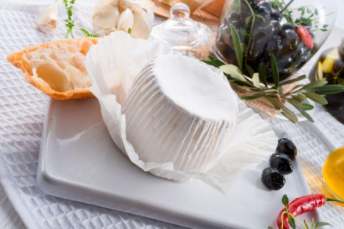 Необычные сорта сыра в мире: самый дорогой сыр