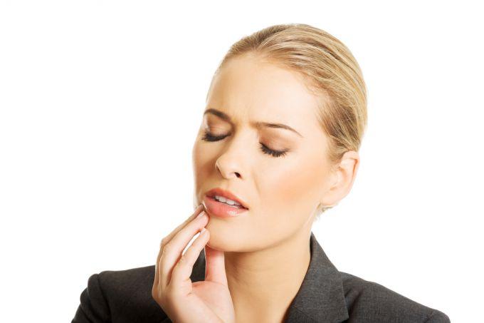 Стоматит: как справиться с заболеванием народными методами?