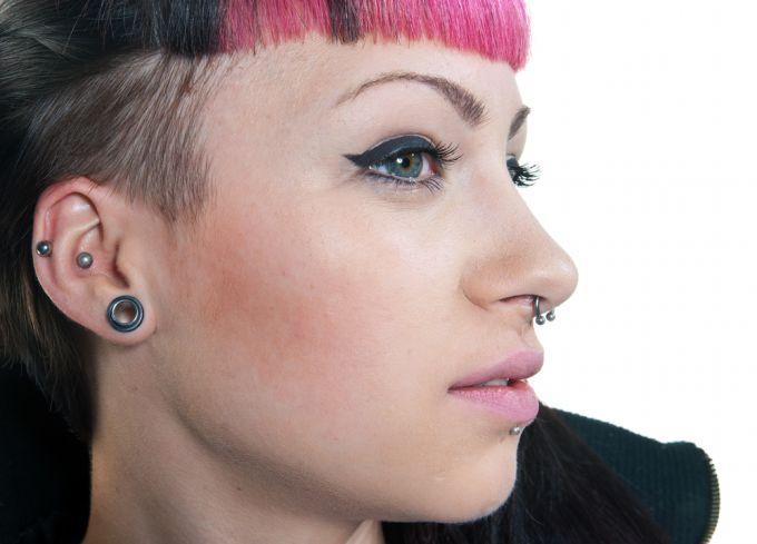 Тоннели в ушах: советы для безболезненного пирсинга