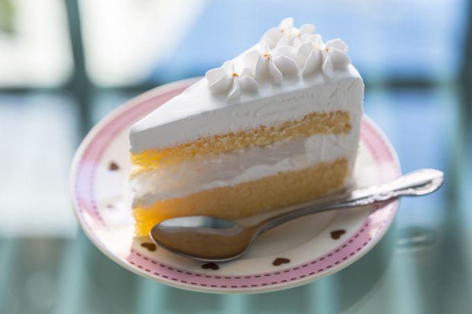 Чем украсить торт? Рецепт крема, который идеально сохранит форму украшения