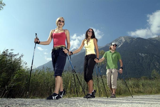 Скандинавская ходьба – панацея от многих заболеваний