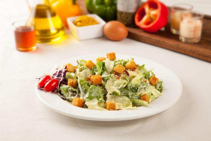 Салаты с кириешками или салат на скорую руку