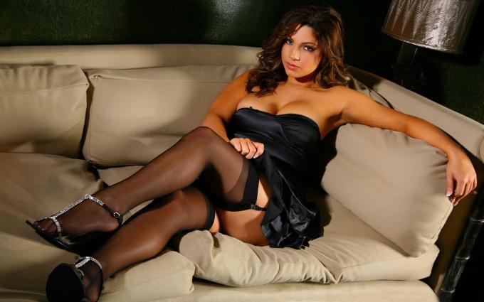 Почему мужчинам нравятся женщины в чулках? Секс