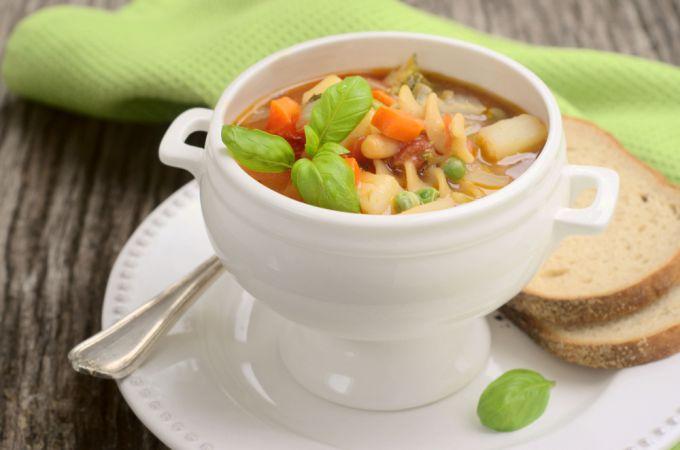 Как приготовить овощной суп минестроне