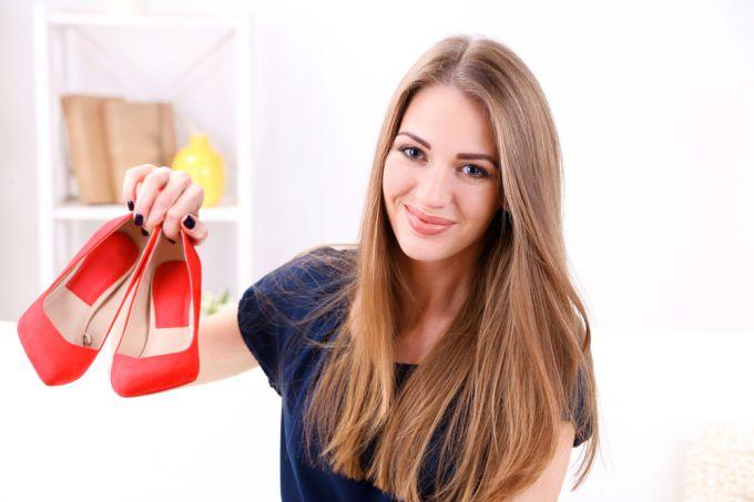 Как разносить узкую обувь в домашних условиях