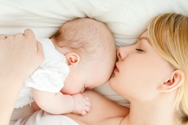 Нужно ли кормить грудного ребенка ночью