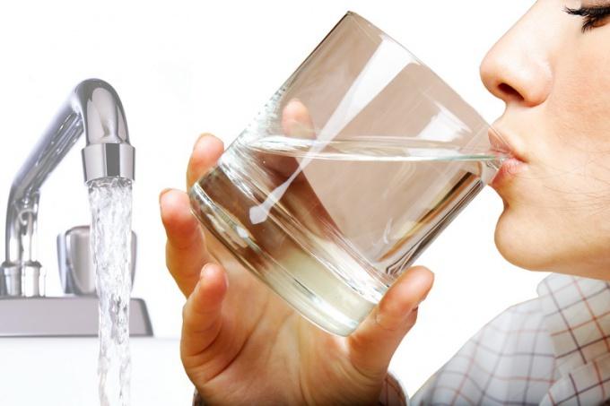 Как понять, что из крана течет плохая вода