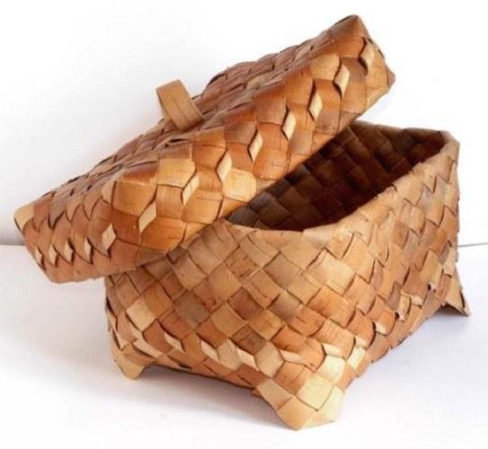 Берестяная хлебница.