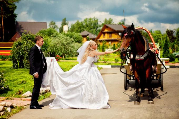 Как организовать загородную свадьбу