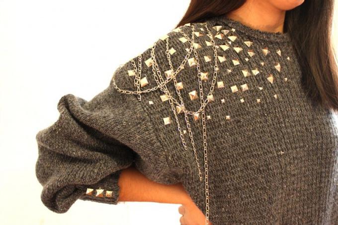 Украшения на свитере своими руками
