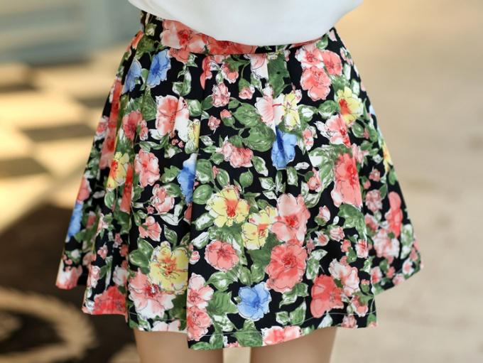 С чем носить цветную юбку