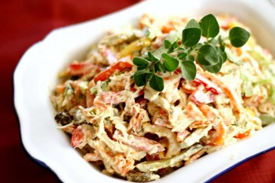 Как приготовить куриный салат с болгарским перцем