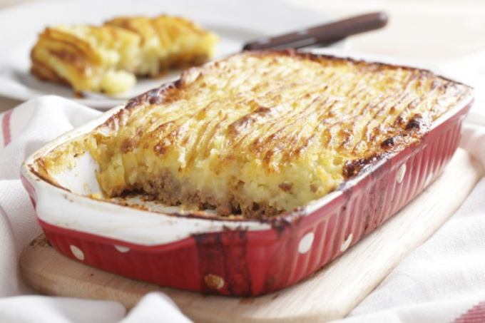 Potato casserole (mashed potatoes) is simple, hearty, delicious