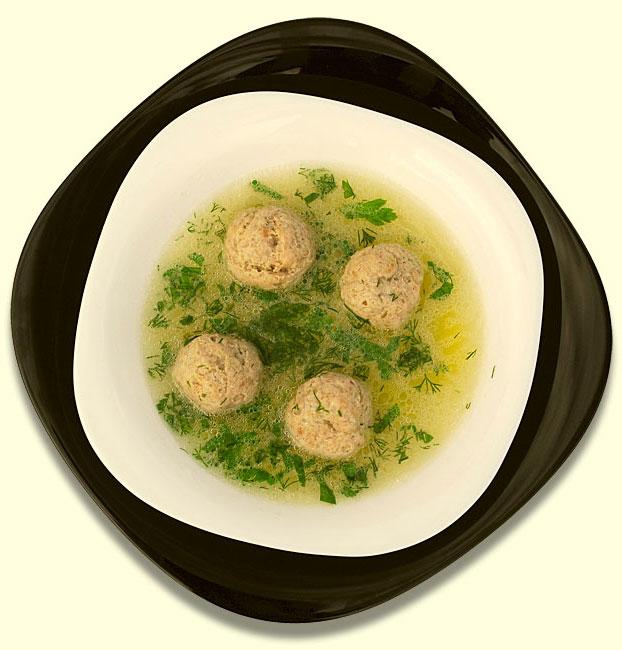 Суп из ячневой каши с фрикадельками