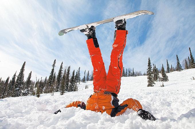 Как правильно падать на лыжах, коньках и сноуборде