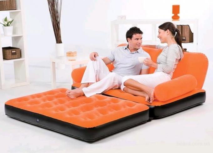 Надувная кровать – прекрасное плавсредство или что-то большее?