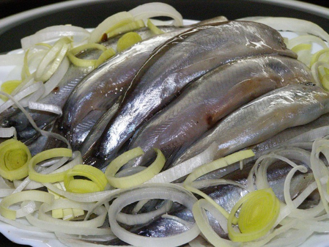 How to pickle capelin home