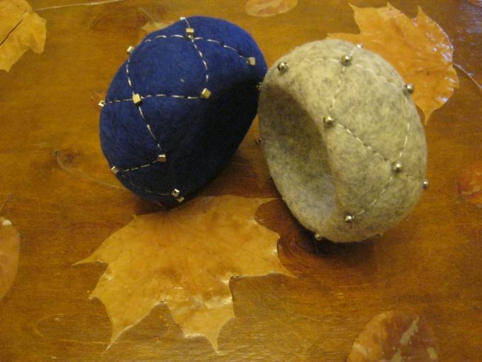 варианты украшения валяного браслета