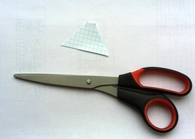 Вырезаем бумажный шаблон