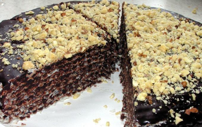 Как приготовить самый простой вафельный торт