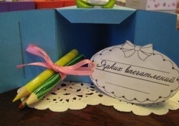 Тортик с подарком внутри