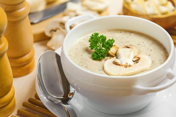 Ароматный крем-суп из грибов согреет в холода